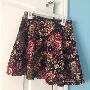Forever 21 floral pattern miniskirt
